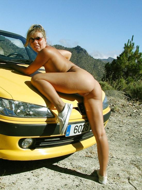 Голая Девушка На Peugeot