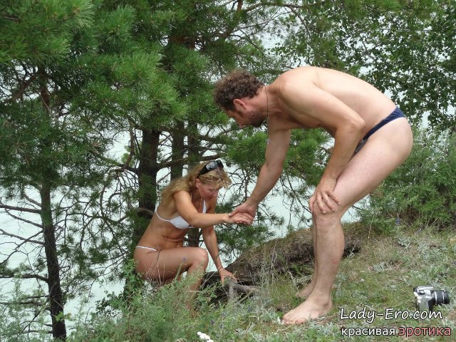 красивые голые девушки отдыхают на природе видео